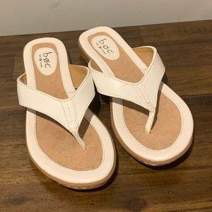 BOC leather flip flops size 7